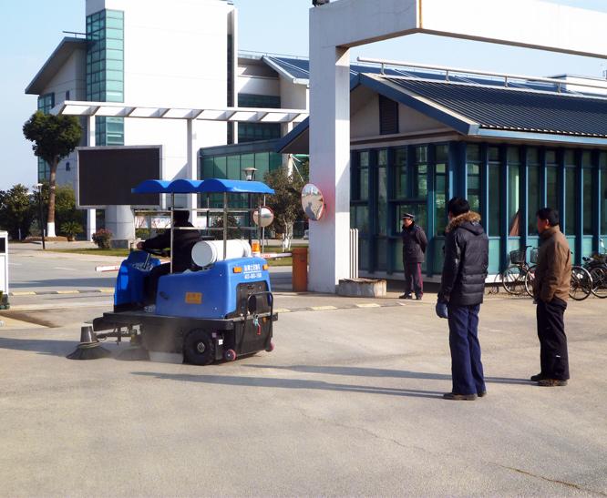 扫路车案例-南京工业职业技术学院