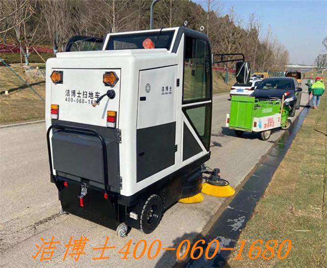 洁博士电动清扫车用户案例——汤山温泉度假村