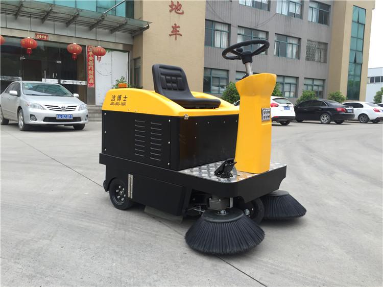 電動掃地車